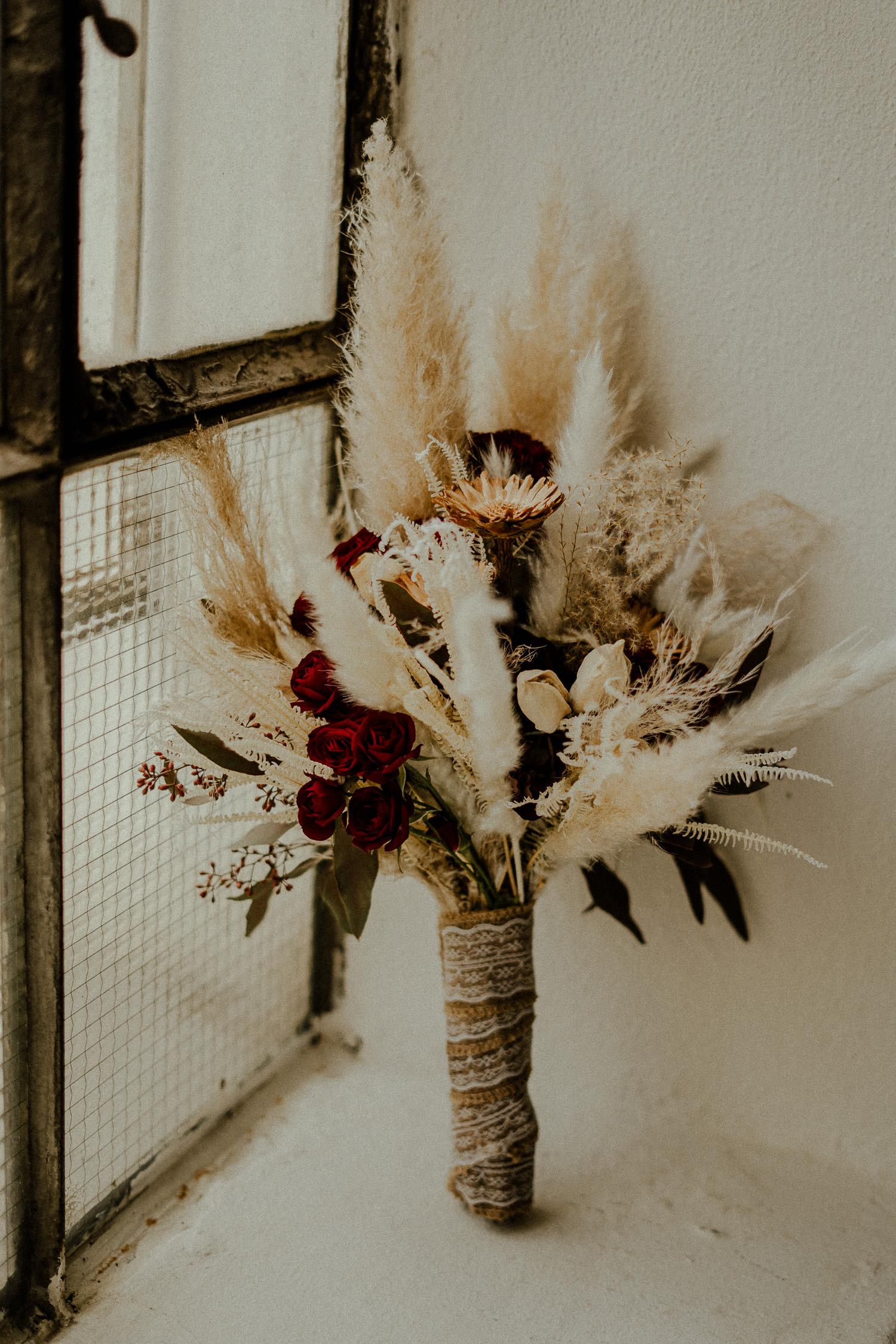 Hochzeitsworkshop Grace Food Nürnberg Hochzeitsreportage Brautkleid Boho Willows Foto Film Maindekodesign Willows by Walters Urban Wedding